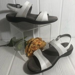 SAS Nudu White Silver Leather Sandals 8.5 NWOT